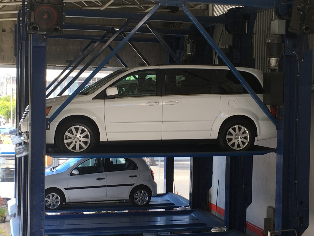 Chrysler Town & Country (10)